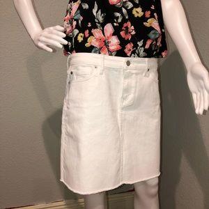 New w/ tags Vineyard Vines White Denim Skirt SZ 10